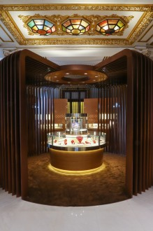 OMEGA boutique Shanghai  at Swatch Art Peace Hotel